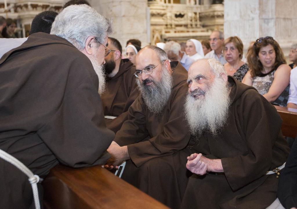Il Padre provinciale con fra Lorenzo (foto Elisabetta Messina)